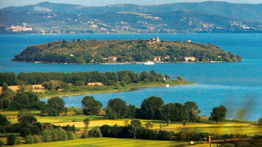 lago trasimeno paesaggio